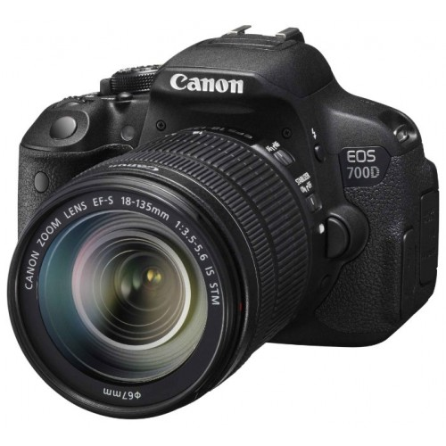 Canon EOS 700D Kit 18-55mm f/3.5-5.6