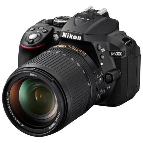 Nikon D5300 Kit 18-105mm f/3.5-5.6g ED VR DX AF-S
